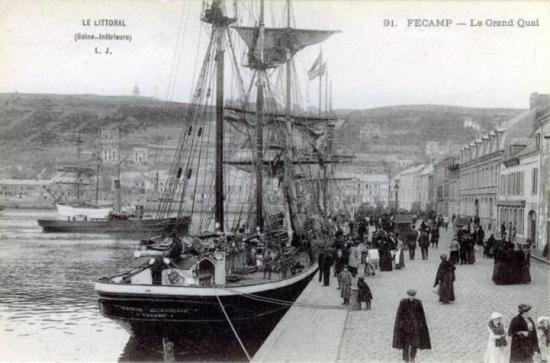 Fécamp harbour in 1910