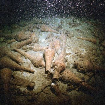 Amphoraes in the deep