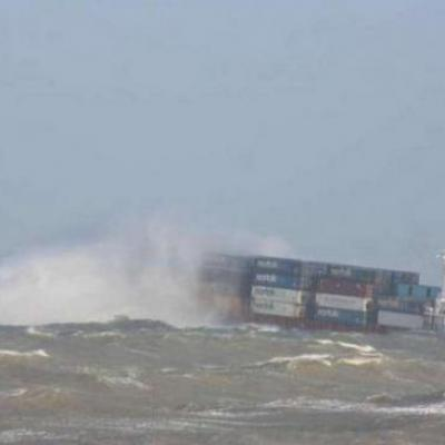 Container ship in very heavy seas foundering ?