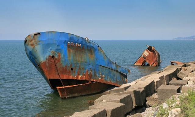 Wrecks and ghosts ships from around the world